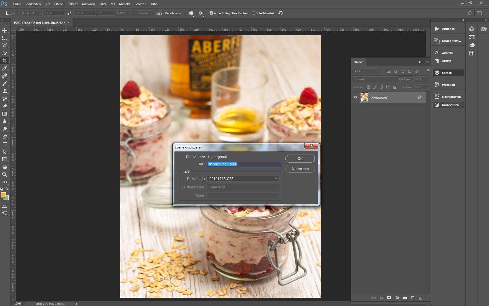 Ansicht eines Bildes in Adobe Photoshop mit aktivem Dialog Ebene duplizieren