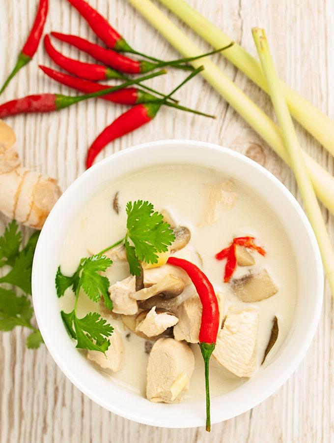 Rezept Thailändische Kokos-Hühnersuppe Tom Kha Kai aka Tom Kha Gai