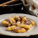 Hier findest Du ein einfaches & schnelles für die Kaiserschmarrn, die wohl bekanntesten Süßspeisen der österreichischen Küche - perfekt für Anfänger.